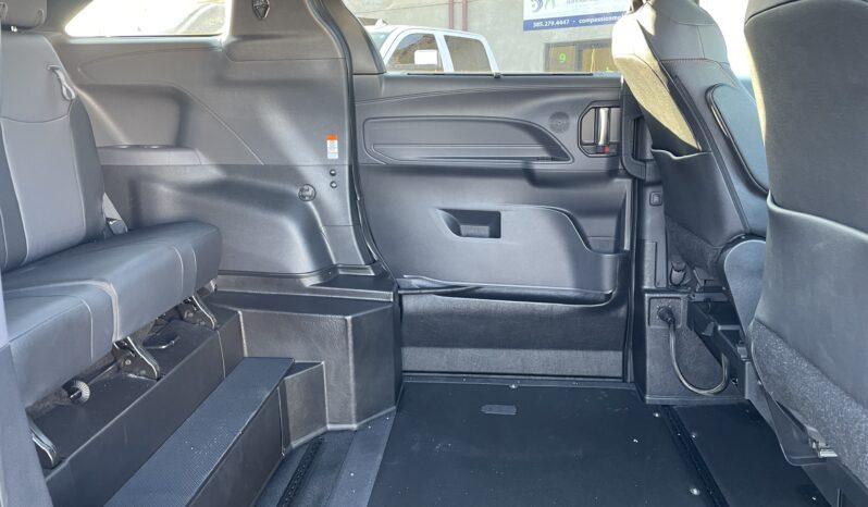 2021 Toyota Sienna XSE AWD VMI Northstar Wheelchair Van full